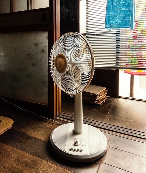 花粉もーーー嫌!! 空気清浄機の効果的な使い方とは?