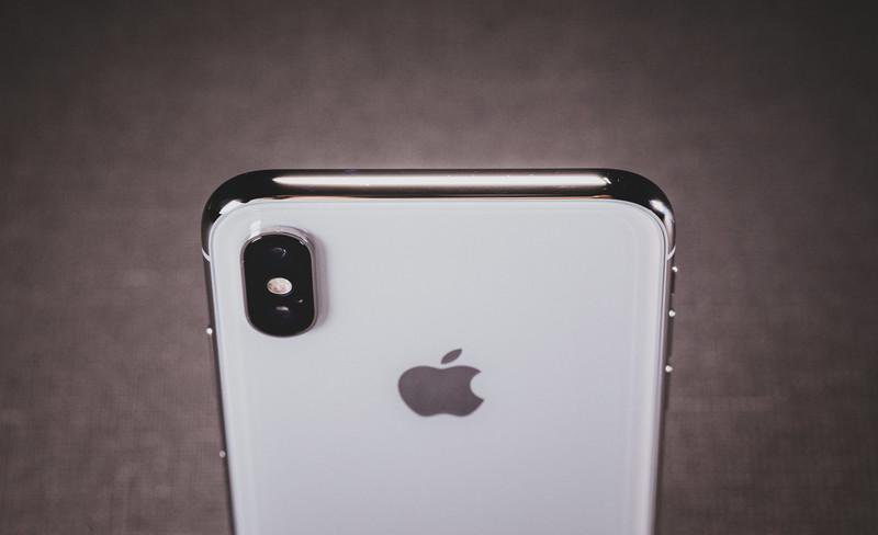 【Apple MFi認証品】ライトニングケーブルがiPhoneスタンドやカメラ三脚代りになる!!