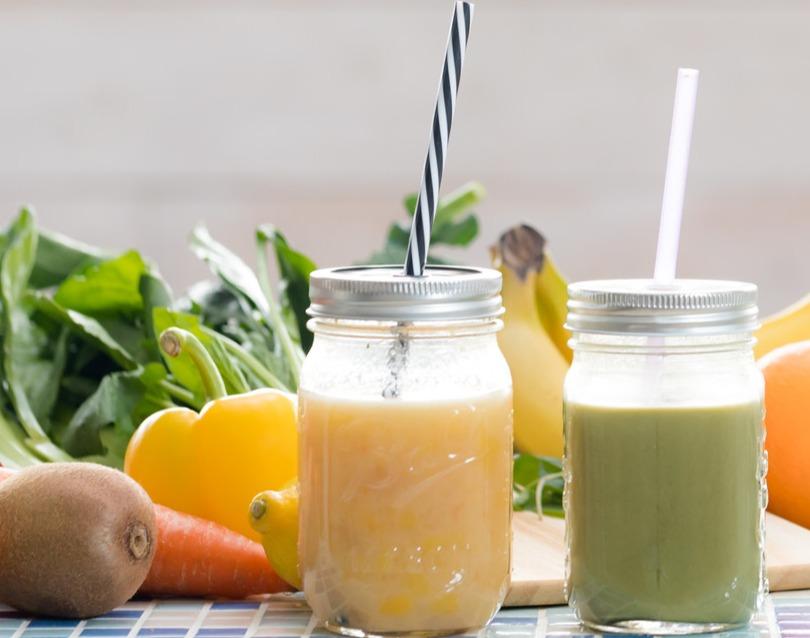 メイソンジャーとブレンダーのブランドがコラボ!! 野菜やフルーツを入れて夏ドリンクを作ろう!!