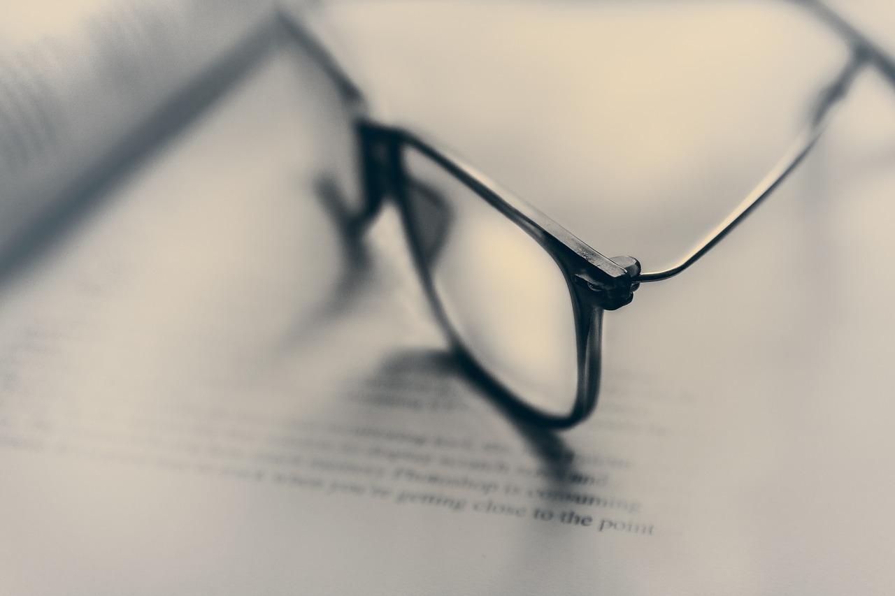 Oculus Quest/Rift Sは眼鏡スペーサー同梱?メガネをかけていても装着して使えるか